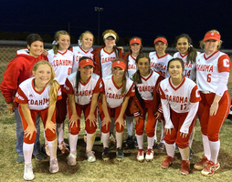 Bulldogettes go 5-0 in Slaton tourney