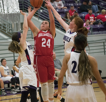 Bulldogettes lose to Plowgirls