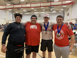 Dobbs qualifies for state in powerlifting
